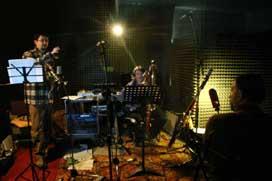 Mirio_Alessio_e_Luca_nello_studio_di_registrazione_MediaDuks